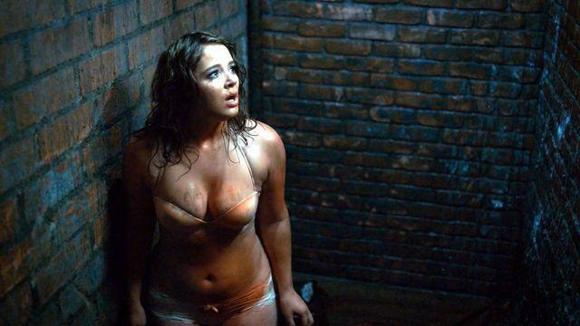 actress Kether Donohue 22 years Without camisole photos home
