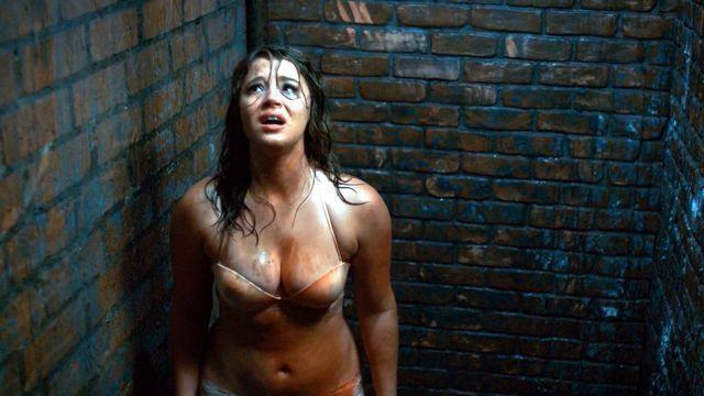 models Kether Donohue 2015 seductive snapshot in public