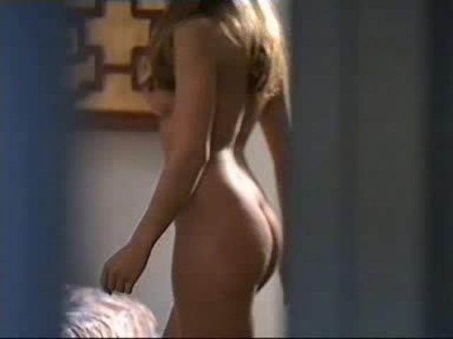 Kim Cattrall topless picture