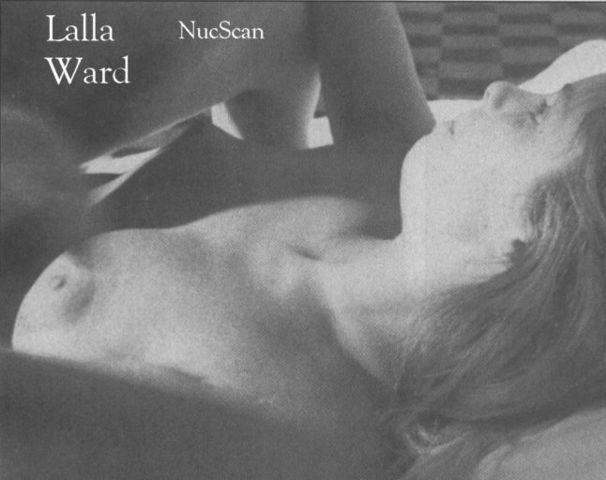 celebritie Lalla Ward 23 years romantic photo home