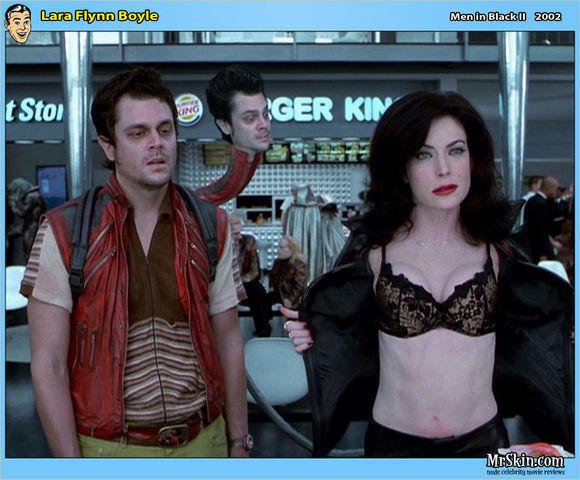 Hot photo Lara Flynn Boyle tits