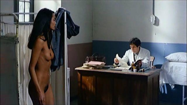 celebritie Laura Gemser 19 years unsheathed photos home