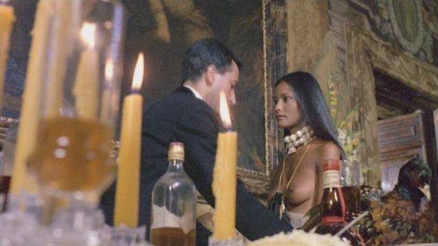 celebritie Laura Gemser 21 years Without clothing pics beach