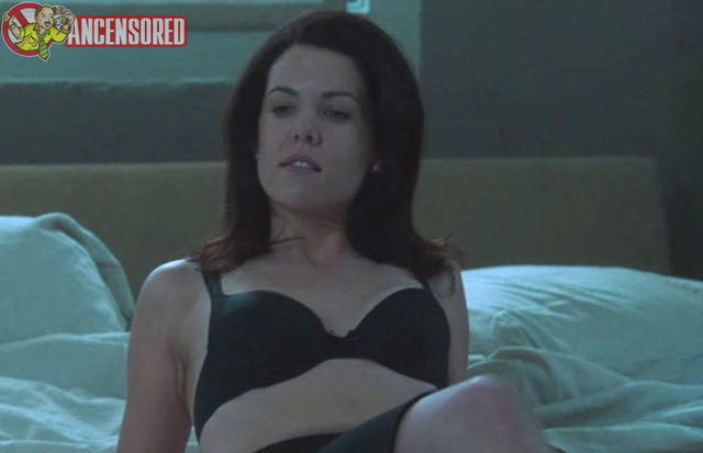 actress Lauren Graham 18 years bare-skinned picture in public