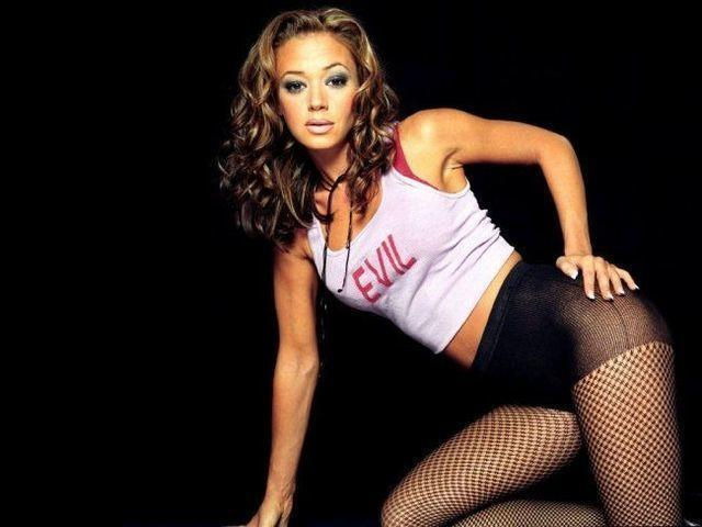 models Leah Remini 18 years libidinous foto in the club