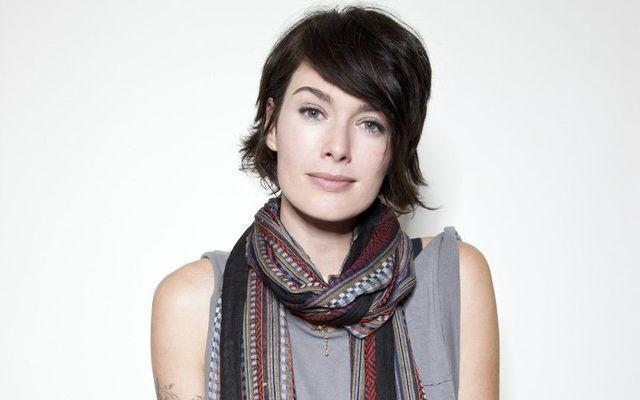 models Lena Headey 24 years Without brassiere photography in the club