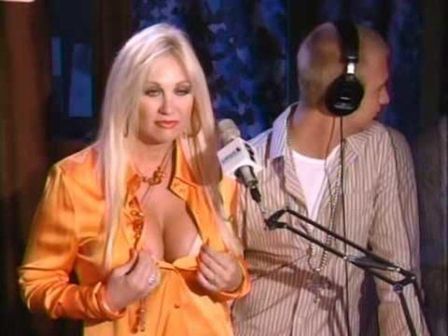 celebritie Linda Hogan 25 years carnal photos home