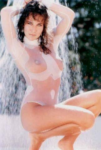 actress Linda Lusardi 23 years raunchy photos home