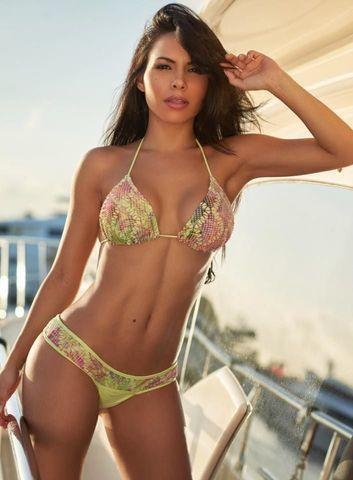 celebritie Lisa Morales young amatory pics beach