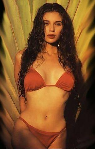 celebritie Lisa Ray 24 years arousing photography in public