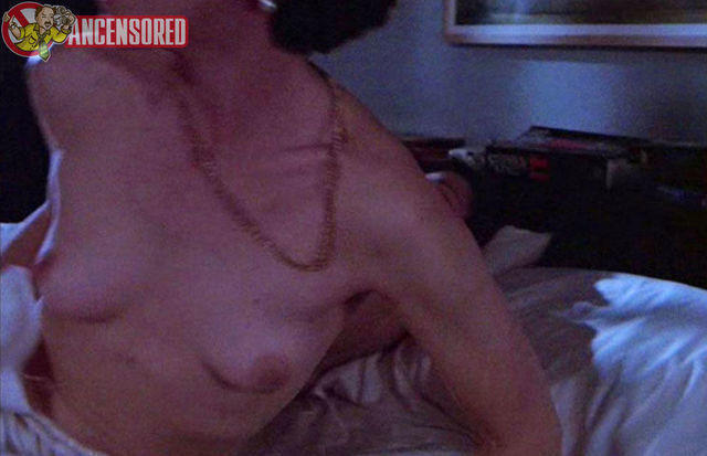 actress Lois Chiles 24 years breasts art beach