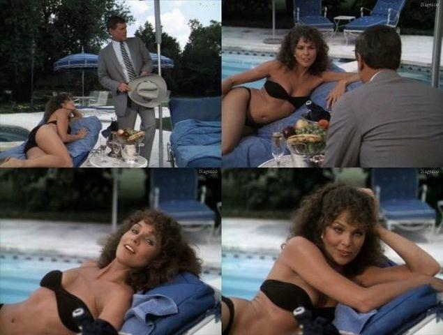 models Lois Chiles 25 years uncovered picture beach