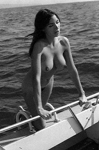 Lois Mitchell topless image