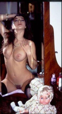 actress Lory Ghidini 21 years provocative foto in the club