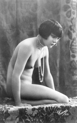 Louise Brooks topless image