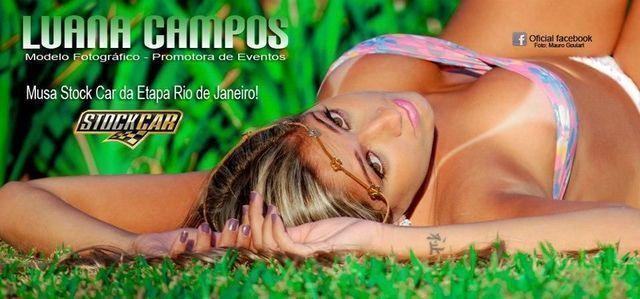 celebritie Luana Campos 22 years bare-skinned foto in the club