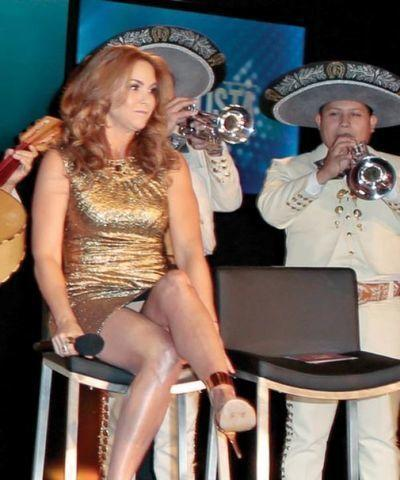 Lucero topless photos