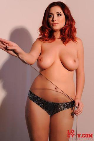 celebritie Lucy Collett 25 years bawdy snapshot in public