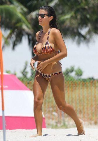 actress Ludivine Sagna 23 years Hottest snapshot in the club