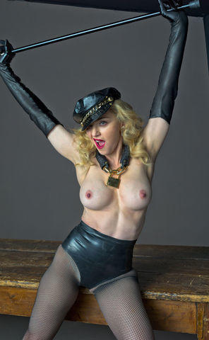 celebritie Madonna 22 years fleshly art home