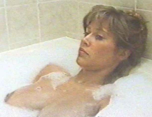 actress Maggie O'Neill 25 years Without panties picture home