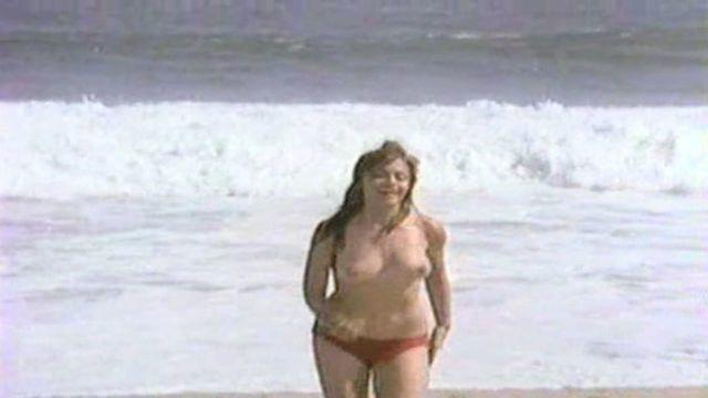 celebritie María Sorté 20 years buck naked image in public