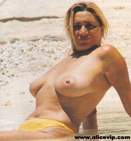 Mara Venier topless photos
