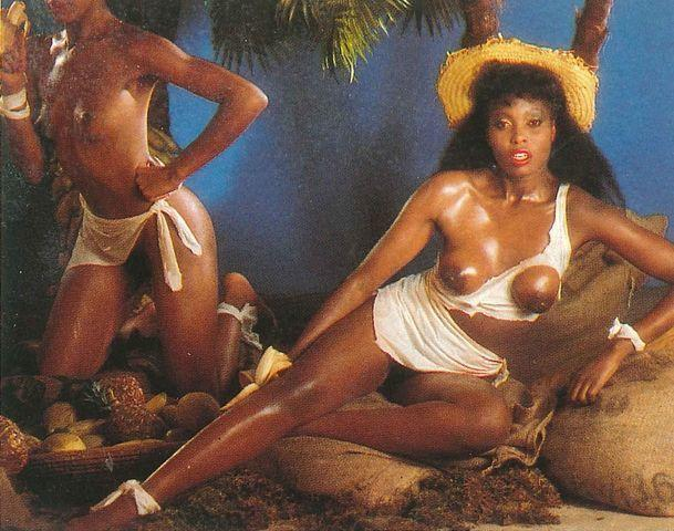 models Marcia Sedoc 18 years hot photoshoot beach