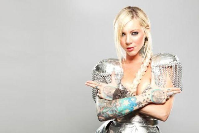 celebritie Maria Brink 20 years indelicate foto home