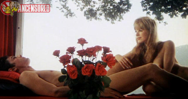 models Marianne Faithfull 22 years crude photoshoot in public