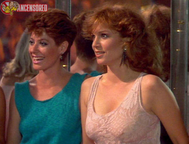 celebritie Marilu Henner 22 years Uncensored picture in the club