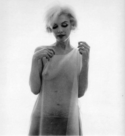 celebritie Marilyn Monroe young impassioned photography home
