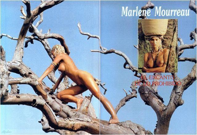 actress Marlène Mourreau 19 years Without slip photos beach