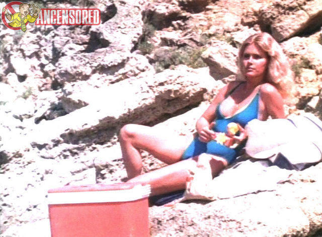 actress Mary Louise Weller 25 years nudity image beach