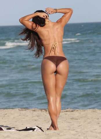 actress Michelle Lewin young exposed snapshot beach