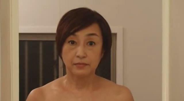 celebritie Mitsuko Hoshi 24 years k naked picture in public