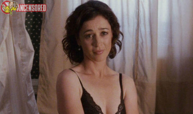 actress Moira Kelly 25 years teat pics in public