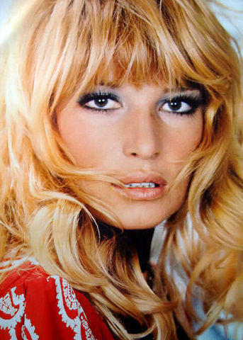 models Monica Vitti 2015 ass art beach