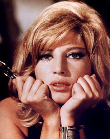 models Monica Vitti 18 years nude art photo beach