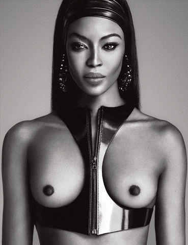 actress Naomi Campbell 20 years Hottest photoshoot in the club