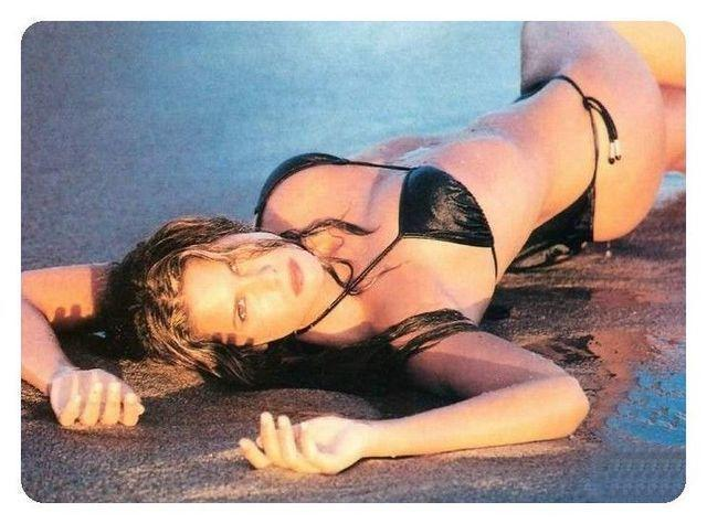 actress Natalie Kritz 25 years nude picture beach