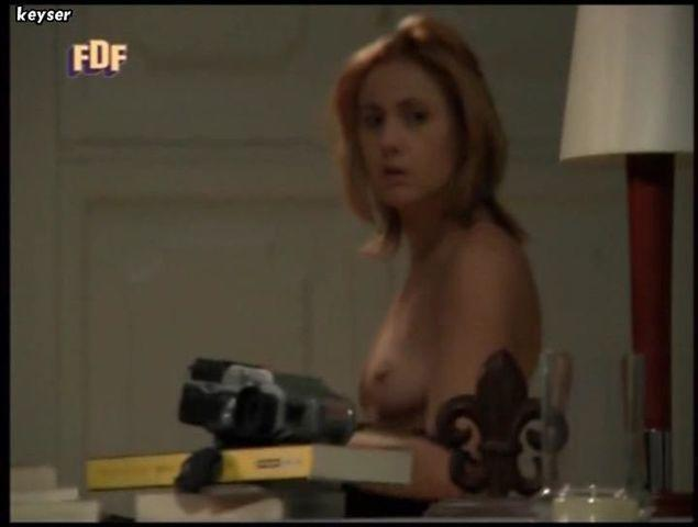 celebritie Nathalie Poza 18 years tits photoshoot in public
