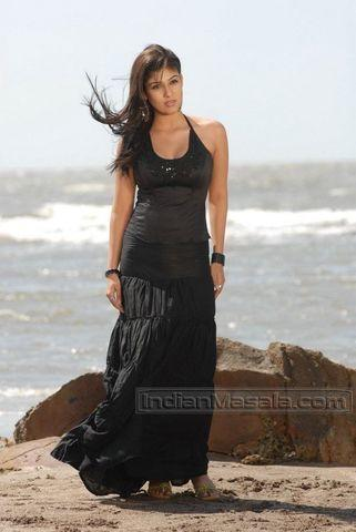 celebritie Nayantara 22 years undressed pics beach