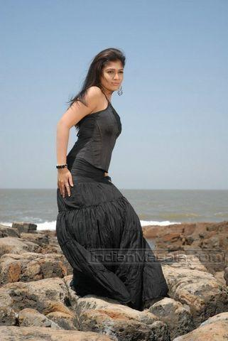 actress Nayantara young provocative pics in the club