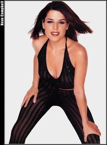 models Neve Campbell 19 years leafless art home