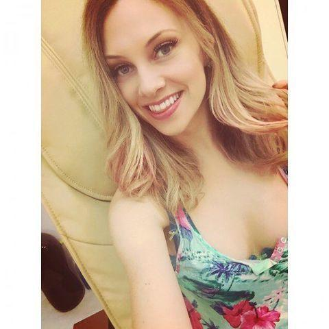 Nicole Arbour topless photos