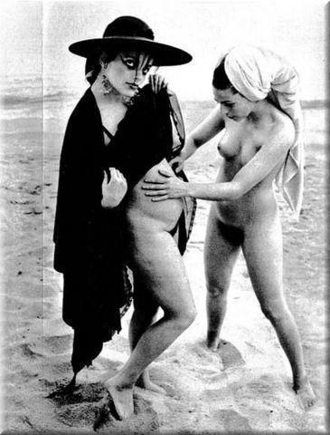 models Nina Hagen 22 years Without swimming suit snapshot home