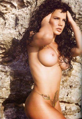 actress Niurka Marcos 25 years carnal image in public