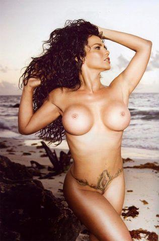actress Niurka Marcos 20 years voluptuous image in public