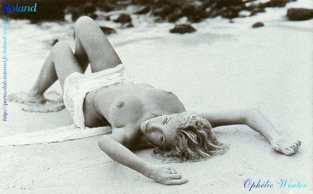 actress Ophélie Winter 21 years unexpurgated foto beach